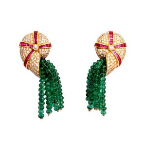 """Nautiles"" earrings in 18k yellow gold with emerald beads, rubies, diamonds."
