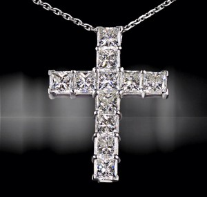 Cross pendant from High Jewellery collection in 18k white gold with princess-cut diamonds-6,33cts.
