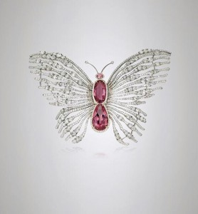 Butterfly brooch with 6,82ct and 4,57ct Pamir spinels and diamonds set in white gold and titanium