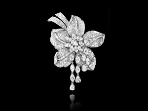 Magnificent Flower brooch set in platinum with baguette-cut, pear-shaped and marquise-cut diamonds cascade, High Jewellery collection