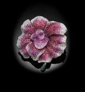 Begonia brooch set in white gold with sapphires and diamonds, Palmiero Jewellery Design