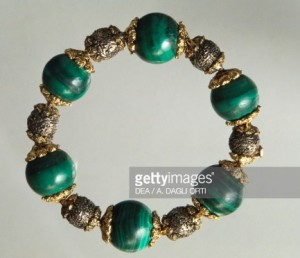 Malachite bracelet with gold and silver elements. Part of parure together with waist necklace, created for baritone Titta Ruffo, 1940s, Mario Buccellati