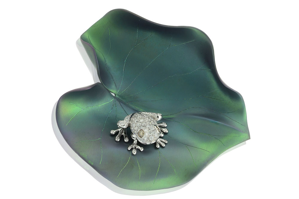 MYFROG brooch set in titanium with fancy brown and white diamonds, Margherita Burgener