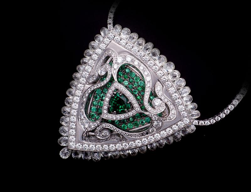 Segesta necklace set in white gold with triangle cut emeralds, brilliant cut diamonds, emerald and diamond pave', Di Gregorio Gioielli