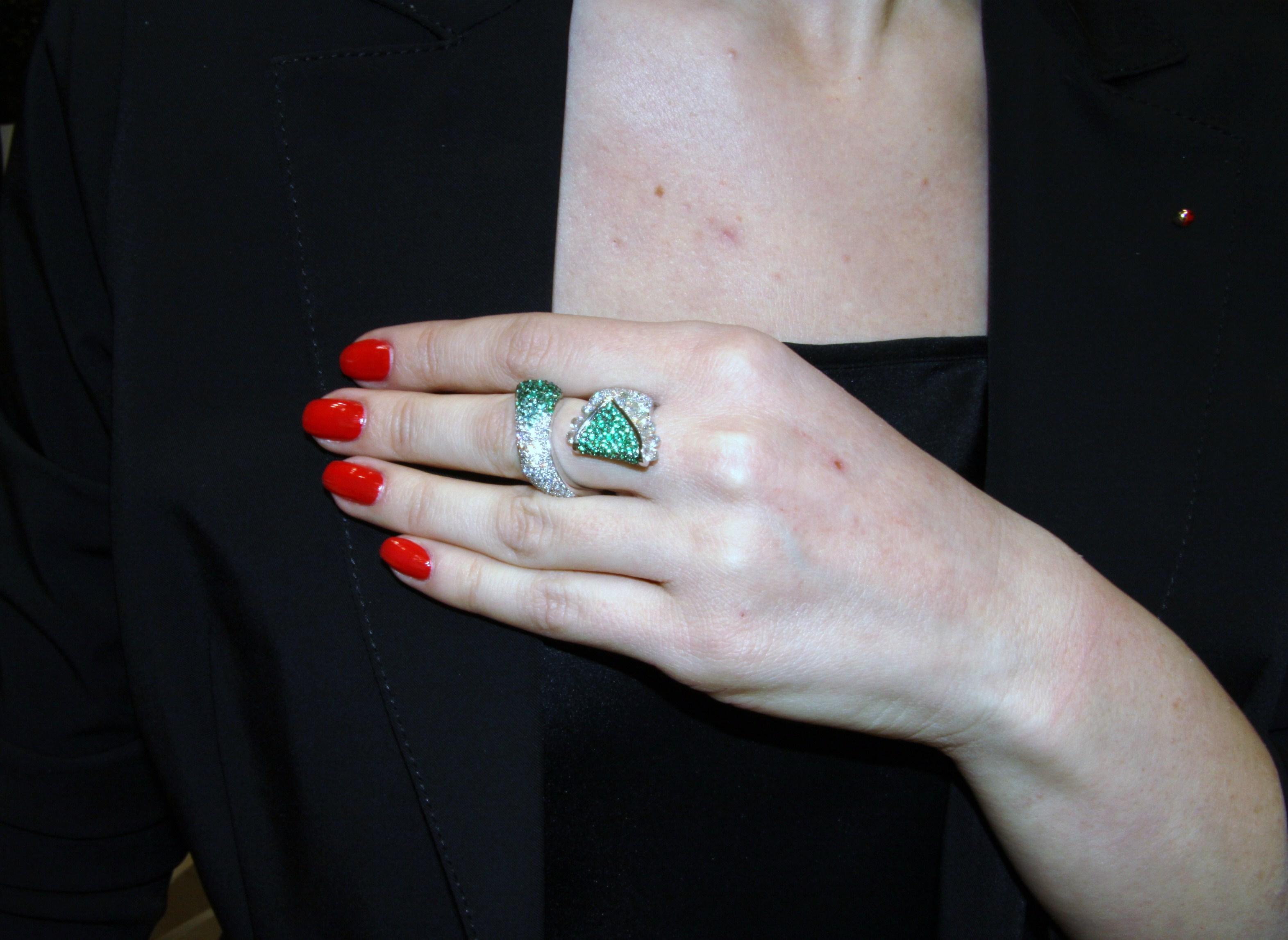 Torchon ring set in white gold with brilliant cut diamond, emerald degrade', briolette cut diamonds, Di Gregorio Gioielli