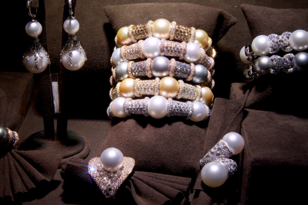 Pearl and diamonds bangles, rings, earrings, Verdi Gioielli