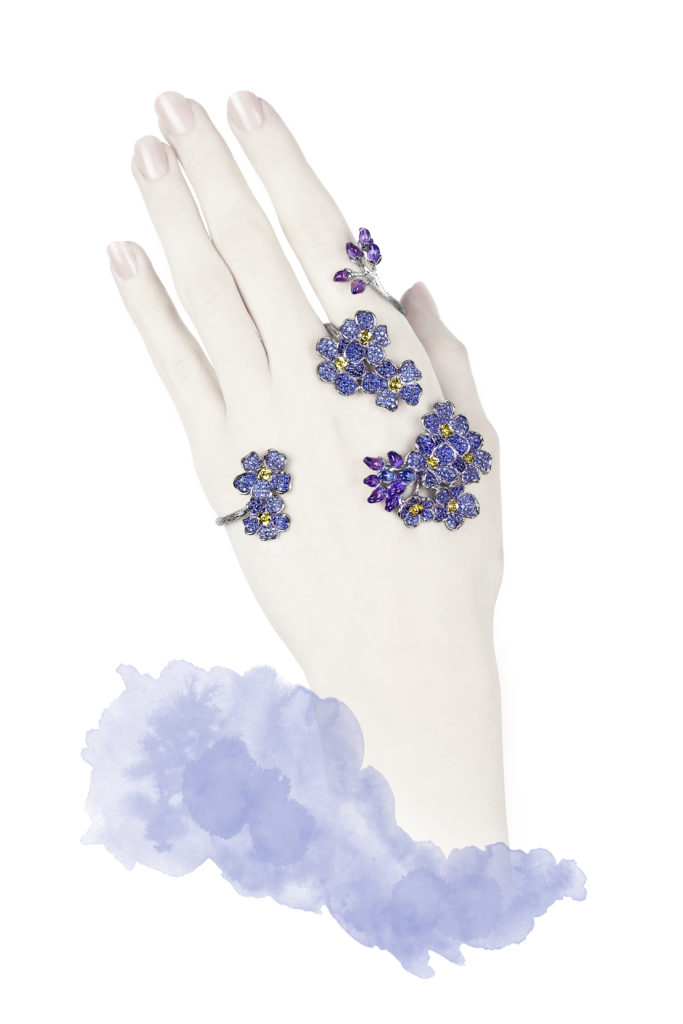 Forget-me-not articulated hand ring set on yellow and white gold with sapphires, amethysts, topazes, Morphee Joaillerie