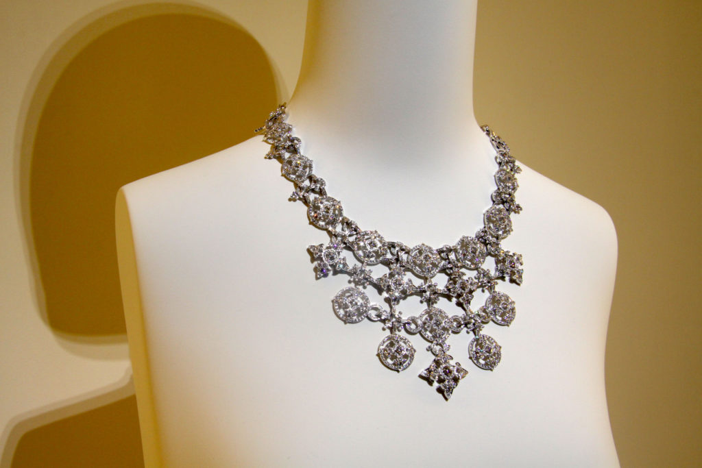 Necklace entirely studded with diamonds, Giampiero Bodino