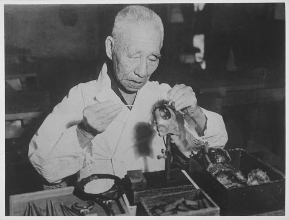 Kokichi Mikimoto at work