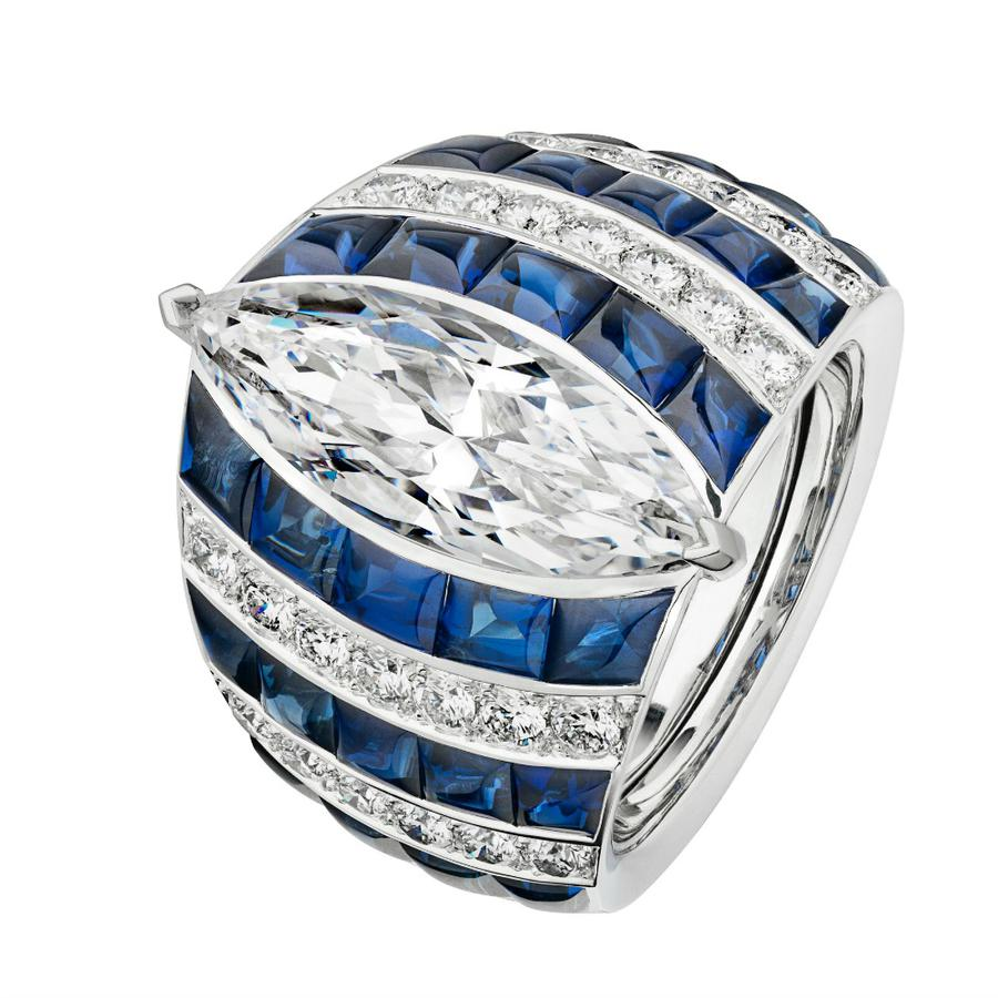 Summer Cruise ring made of white gold with marquise cut diamond of 5,02cts, sapphires, diamonds, Chanel Joaillerie